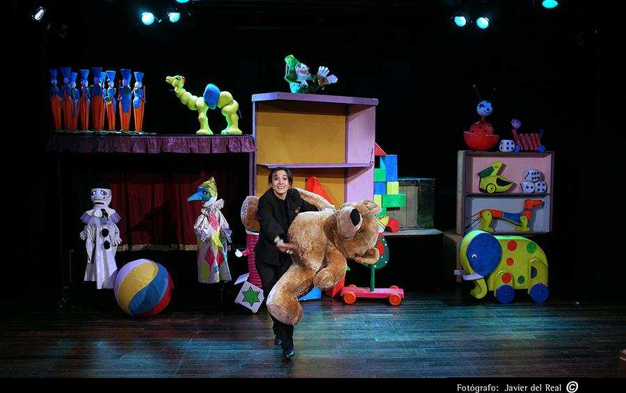 """Invierno primavera 19 – Teatro para centros educativos """"La caja de los juguetes"""""""