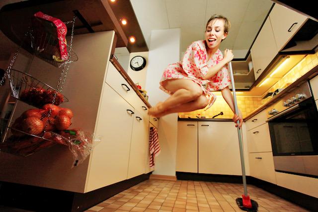"""Invierno primavera 19 – Teatro para centros educativos """"No se baila en la cocina"""""""